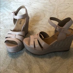 c40ff97b6ab Women s Pink Clarks Sandals on Poshmark